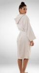 Ženski bijeli ogrtač sa kapuljačom
